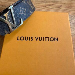 Louis Vuitton belt brown size 32
